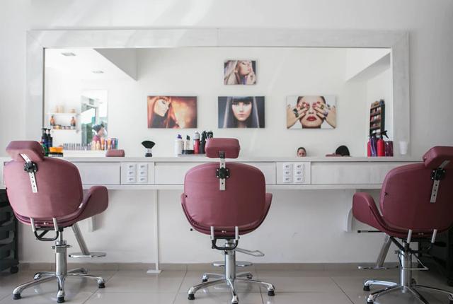 Jak zostać fryzjerem