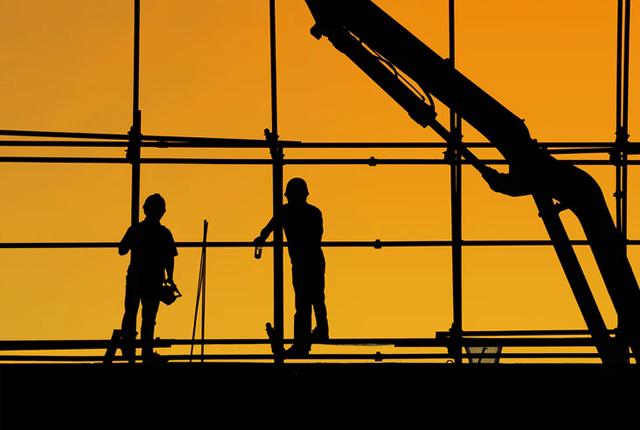 Jak zostać budowlancem