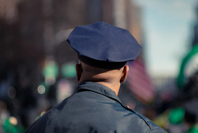 Ile zarabia policjant