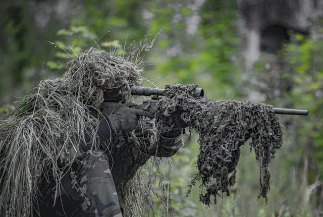 Praca wojskowego