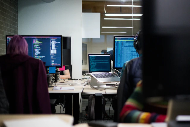 Ile zarabia pracownik call center