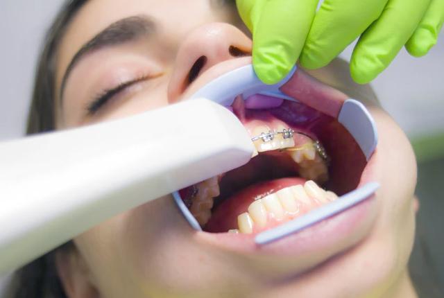 Ile zarabia asystentka stomatologiczna?