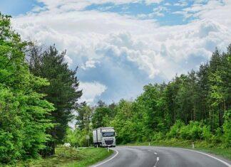 ile zarabia kierowca ciężarówki